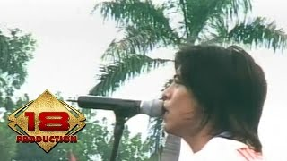 Peterpan - Sally Sendiri  (Live Konser Kotabumi 20 Maret 2008) width=