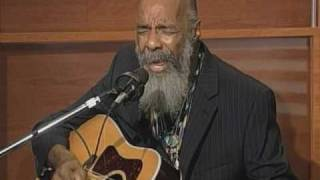 "Richie Havens Sings ""The Key"""