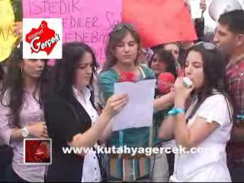 FORMASYON İSTEYEN DPÜ ÖĞRENCİLERİ EYLEM YAPTI ! flv