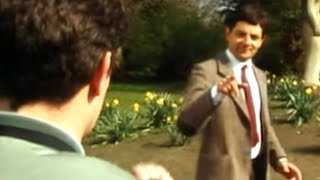 Mr Bean - Camera Thief
