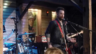David Cook - Friends in Low Places [Garth Brooks cover] (Houston 11.18.15) HD