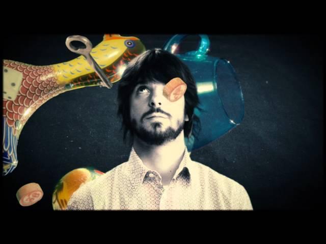 "Video oficial de ""Con mi voz"" de Mäbu"