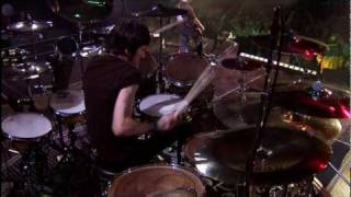 Godsmack - Straight Out Of Line [Live] (HQ)