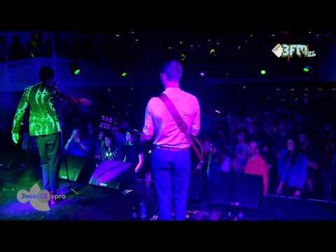 oscar-and-the-wolf-strange-entity-live-bij-de-song-van-het-jaar-2014-3voor12