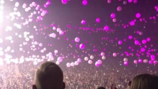 """Drake - """"Hotline Bling"""" Live in Vancouver - Clip"""