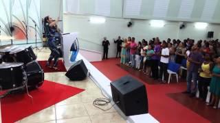 Cantora Sandrinha na Igreja da Graça de Ponte Nova