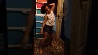 la mejor chiquita bailando