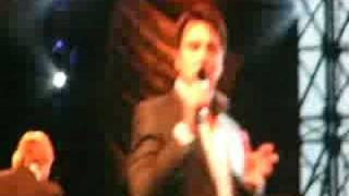 "John Barrowman Introduces ""Whistle down the wind"""