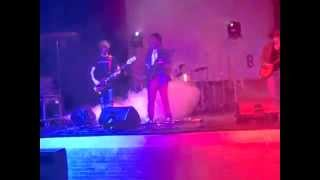 Burning Red - Come A Little Bit Closer Now live at Plug 'N Play