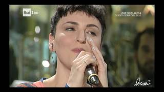 Arisa - La bambola / Amami [ Live Domenica In ]