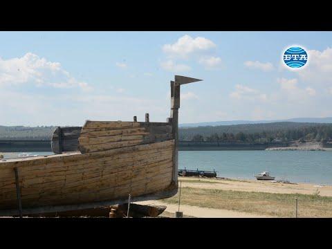 За първи път в света Атанас Димитров прави реконструкция на тракийски птицеглав боен кораб