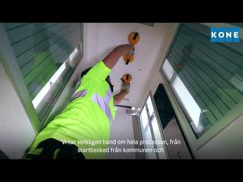 De boende i Brf Hackspetten drömde om hissar i sina trappuppgångar för att få en lättare vardag, och tog kontakt med KONE. Se hur vi gjorde det möjligt och installerade 36 hissar hos föreningen.