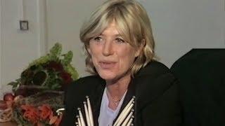 Marianne Faithfull - Backstage Interview (1999)