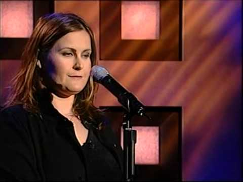 alison-moyet-should-i-feel-that-its-over-live-in-australia-mike-devery