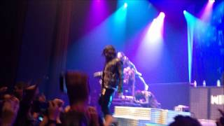 Motionless In White America Feat. Michael Vampire live at Club Nokia