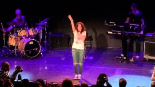 """Alessia Cara  """" Four Pink Walls """" & """" Seventeen """" Live NYC Bowery"""