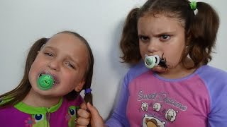 """Bad Baby Victoria vs Crybaby Annabelle """" Eats Cockroach"""" Toy Freaks Family"""
