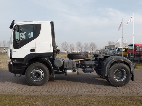 iv3885 - Iveco Trakker AT400T42TH 4x2 tractor head - NEW