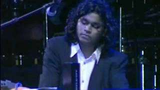 Flautist Naveen Kumar Performing Bombay Theme - ARRahman Dubai Concert width=
