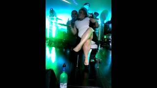 El Komander cantandole a Karmen - Brownsville Tx