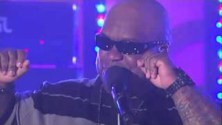 Cee Lo Green Performs -Bright Lights Bigger City ( LiVe)