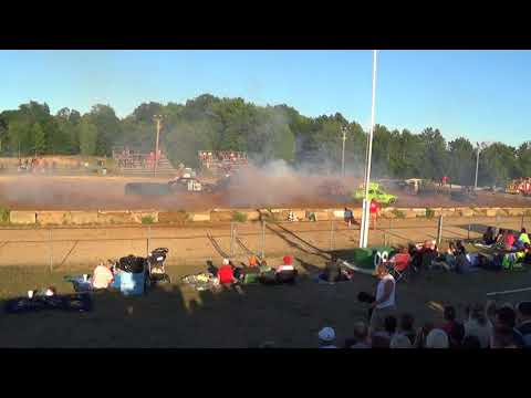 Farwell,Michigan 4th of July celebration 2018 USA figure eight Heat 2(FWD cars)