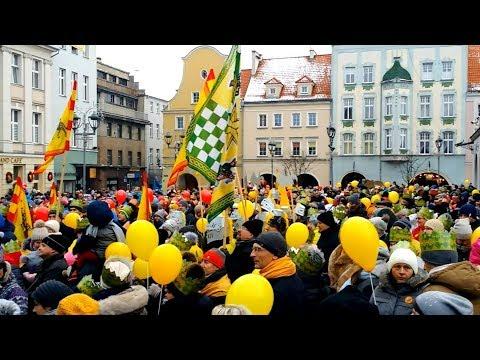Tłumy na Rynku w Gliwicach. Orszak Trzech Króli