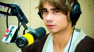 Alexander Rybak answers questions for P5's school diary