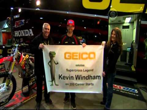 Supercross LIVE! 2012 - Kevin Windham on his 200th Supercross Main Event