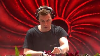 Ping Pong vs Tremor [Hardwell Remix] (Live at Tomorrowland)