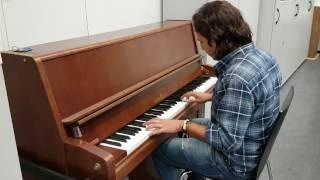 'Spotlight' Theme - Piano - Sarosh