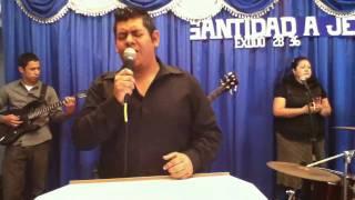 Alabanza & Adoración 2011/Ene/30 - 01. EL SEÑOR ES MI REY (dirigido por Beto Miranda)