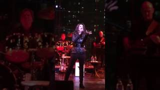 Lynda Carter Live