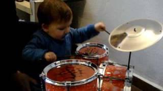 Caio na Batera 10 meses, o mais novo baterista do mundo!