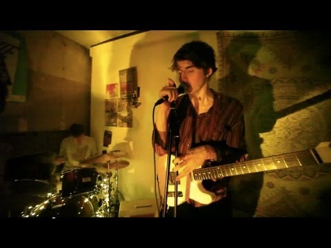 palma-violets-tom-the-drum-at-studio-180-palma-violets