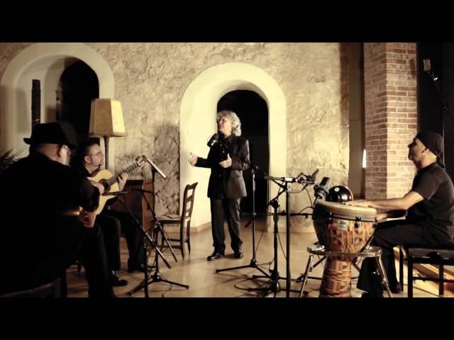 Video de Mayte Martín en directo tocando ''Milonga del solitario''.