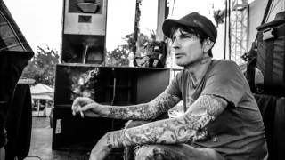 """Tommy Lee - """"Hold Me Down"""""""