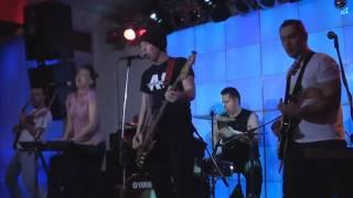 TRUE ФRIXX UNION the 1-2 song (Live perfoming at Vinil club, Yaroslavl, Russia 21/02/2011)