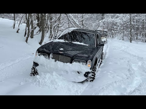 Bentley Arnage on 40 maxxis trepador vs Gaz69 in deep snow!) Самый лучший пухляк)