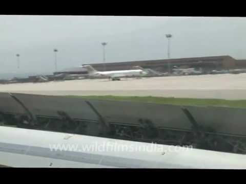 Plane slowing down after landing!