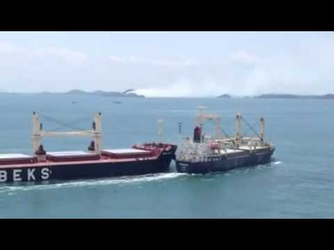 Bulk Carrier And Cargo Ship Collide In The Straits
