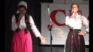 Georgiana Maeina si Ionela Toma la aniversarea de 10 ani a ansamblului Ceatara din Carei