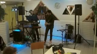Pleibois - Ikkunaprinsessa (live)