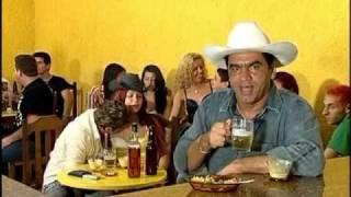 Tom  Oliveira(bebendo no cabaré)