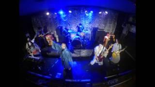 Parraleños - Sacrificio y rock and roll (Aqui en la playa)
