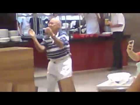 Wesoły staruszek poczuł flow!
