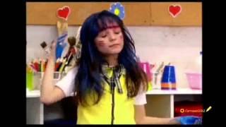MARIA JOAQUINA COM CABELO AZUL S2