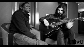 "Charles Bradley & Thomas Brenneck ""Heart of Gold"" (Neil Young cover)"