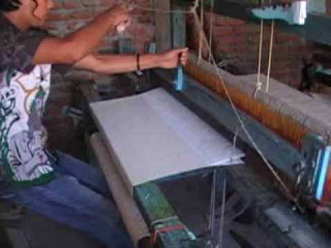 Purna Kumar Rai weaving plain cloth