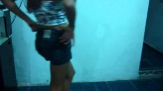 dania dançando ''MC VARETA''